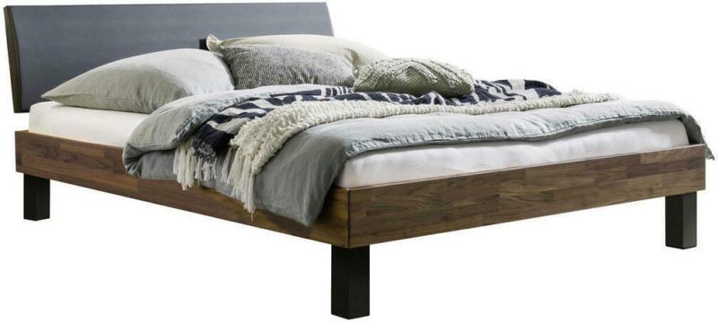 Bett in Schwarz, Nussbaumfarben