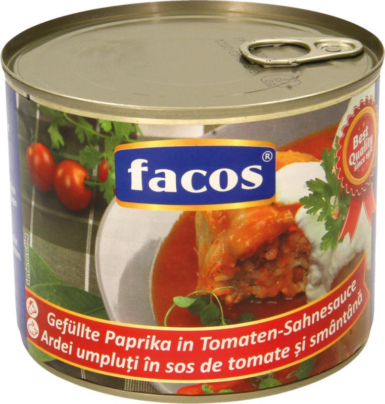 Gefüllte Paprika in Tomaten-Sahnesoße