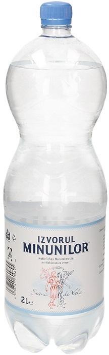Natürliches Mineralwasser mit Kohlensäure versetzt