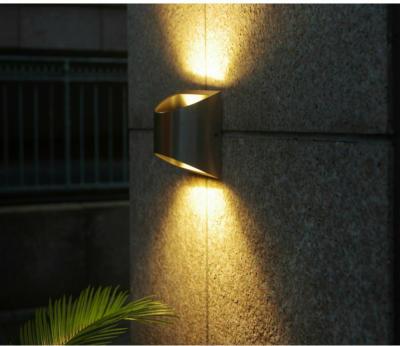 LUTEC LED-Außenwandleuchte Edelstahl EEK: A-A++