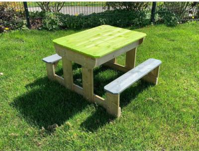 Wendi Toys Sand & Wasser Picknick Tisch inkl. Bänken 50 cm x 100 cm x 80 cm