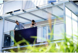 PLUG-IN Photovoltaik-Anlage Solaranlage LightMate G (Balkon)