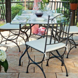Tisch Grandi