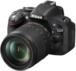 Nikon D5200 mit AF-S VR DX  18-105 DSLR Kamera (VBA350K005)
