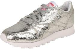 Sneakers im Metallic-Design