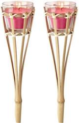 Bambusstäbe mit Kerzen