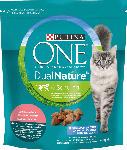 dm-drogerie markt PURINA ONE Trockenfutter für Katzen, Dual Nature mit Spirulina für ausgewachsene Katzen reich an Lachs