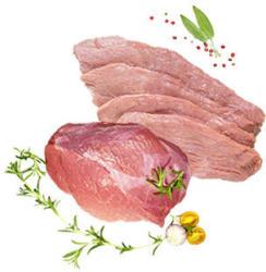 Frische Kalbsschnitzel, Kalbsbraten oder Kalbsgulasch aus der Keule, je 100 g