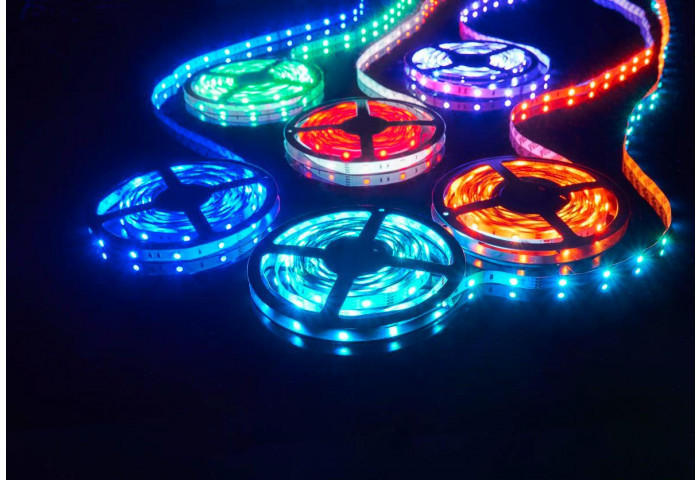 LED-Lichtband mit Farbwechsel Länge 5m