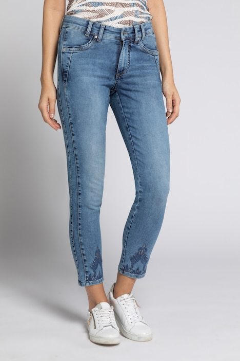 Jeans Julia, Lochstickerei, schmale 5-Pocket-Form