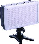 Media Markt REFLECTA 20375 RPL 210-VCT, LED Videoleuchte, Schwarz, passend für Kamera, Camcorder