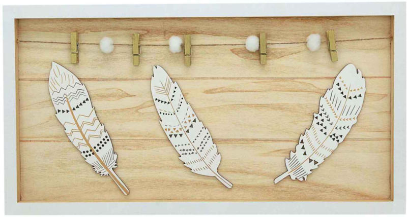 Holzboard mit Holzklammern -