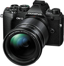 OLYMPUS OM-D E-M5 Mark III Body + M.Zuiko Digital ED 12-200mm F3.5-6.3 - Systemkamera (Fotoauflösung: 20.4 MP) Schwarz